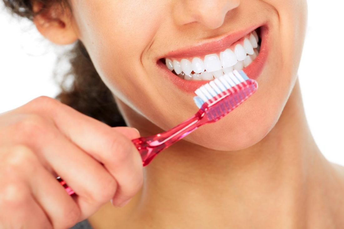come-spazzolare-denti